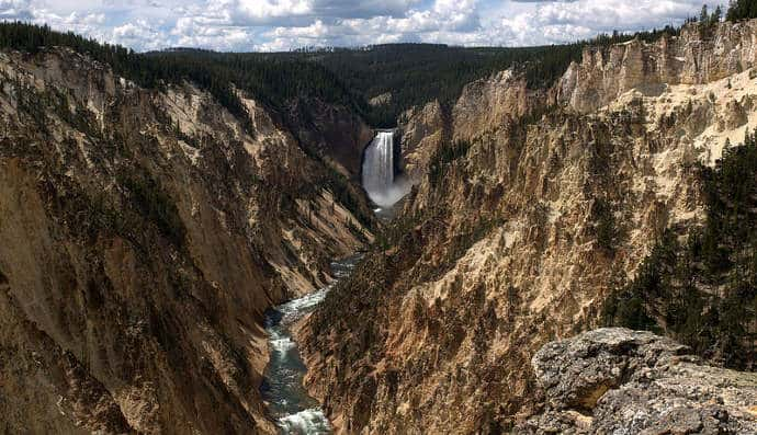 Grand-Canyon-of-the-Yellowstone